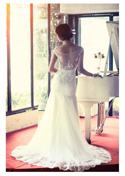 Chụp ảnh cưới đẹp với váy cô dâu duyên dáng