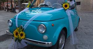 Cách trang trí xe hoa cưới đẹp và lãng mạn