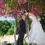 Chụp ảnh cưới trên con đường hoa giấy Nha Trang