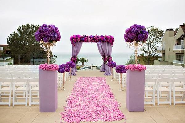 cổng hoa cưới màu tím lãng mạn