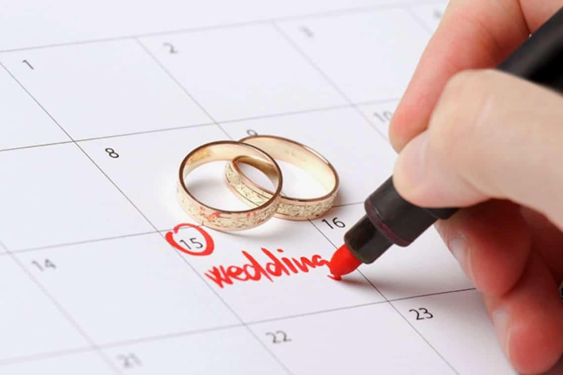 Phong tục xem ngày cưới vợ