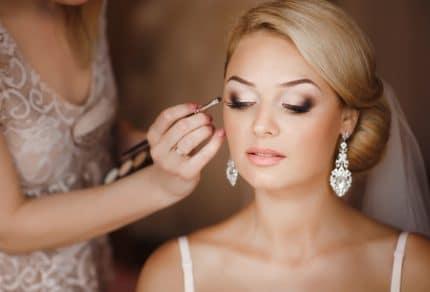 Đa dạng cách trang điểm cô dâu 2018