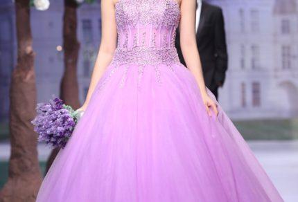Kết quả hình ảnh cho váy cưới tím