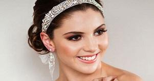 Trang điểm cô dâu - Mẹo 'chữa cháy' make up cưới